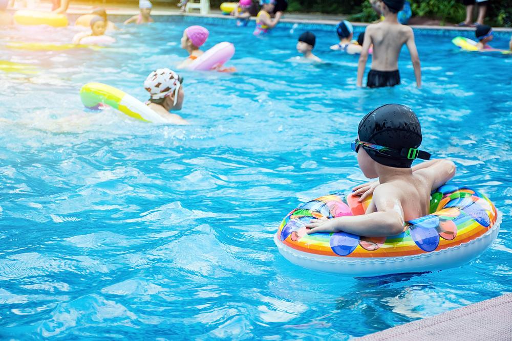 zwembad op het vakantiepark